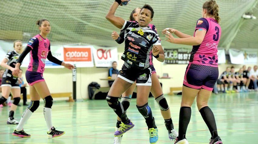Nely Carla Alberto portera encore les couleurs de l'UMB-B la saison prochaine.