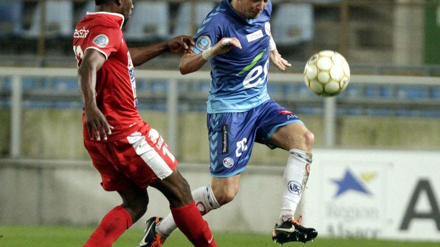 Le défenseur du Racing Club de Strasbourg, Jean-Philippe Sabo, contre Luçon le 20/09/13