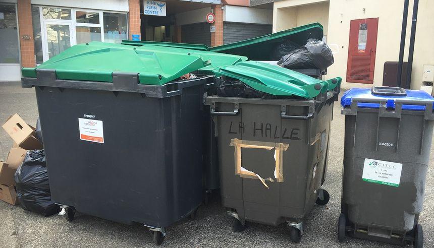 FBToulouse les poubelles débordent à Colomiers - Radio France
