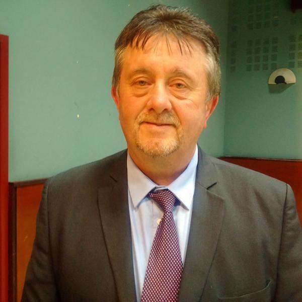 Le maire de Lesparre, Bernard Guiraud, est battu sur sa propre commune par le FN - Radio France