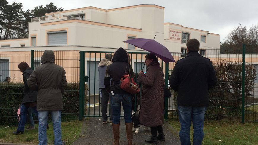 Villefontaine :  viols  élèves  neuf plaintes déposées, réunion parents d'élèves 25 mars 2015