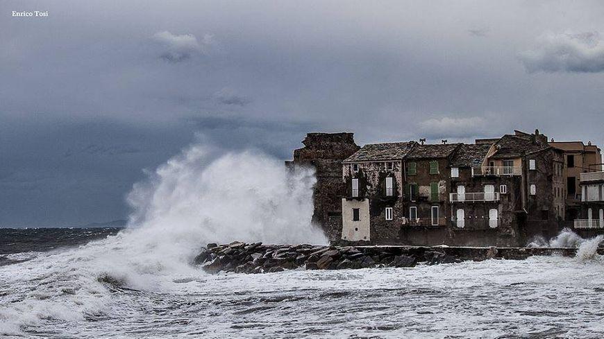 Erbalunga dans la tempête