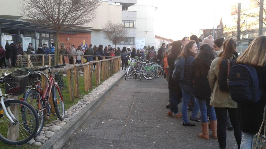Distribution de paniers repas à des étudiants, chaque mercredi à Strasbourg
