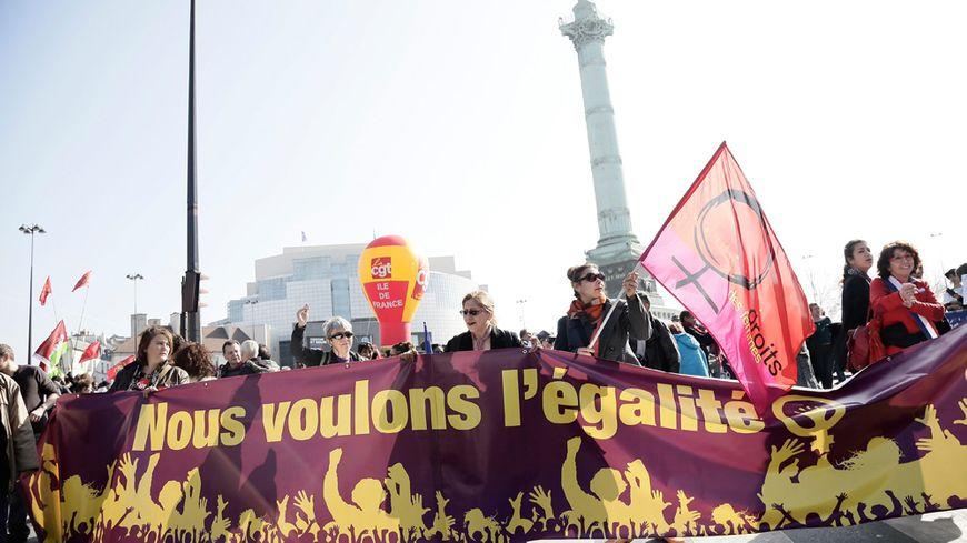 La manifestation pour les droits des femmes en mars 2014 à Paris