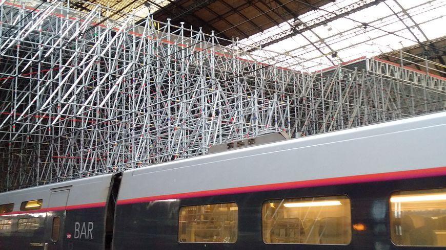 Les travaux de la grande verrière de la Gare St-Jean ont commencé