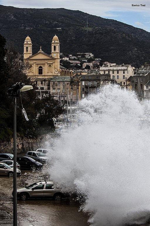 Tempête dans le vieux port de Bastia - Enrico Tosi