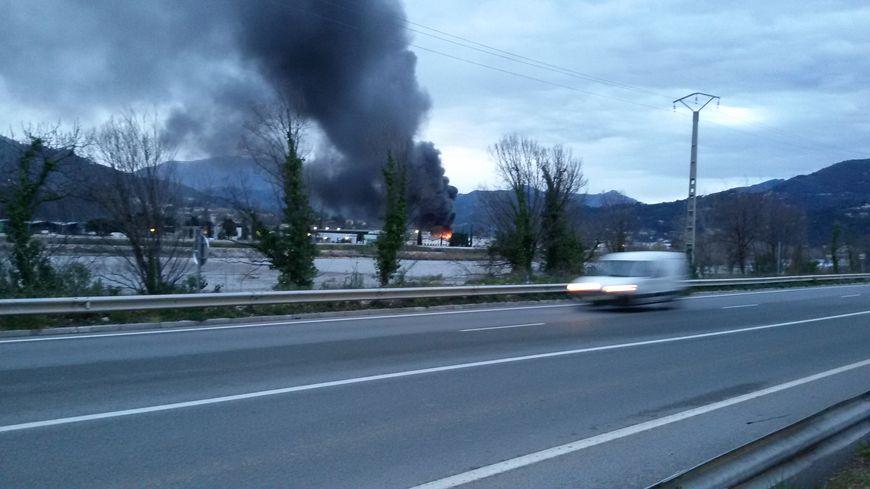 Incendie à Carros
