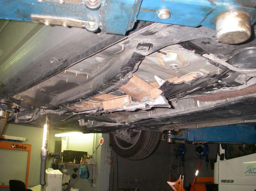 De la drogue cachée dans le châssis d'une voiture - Radio France