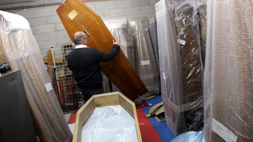 Dans une entreprise de pompes funèbres (photo d'illustration).