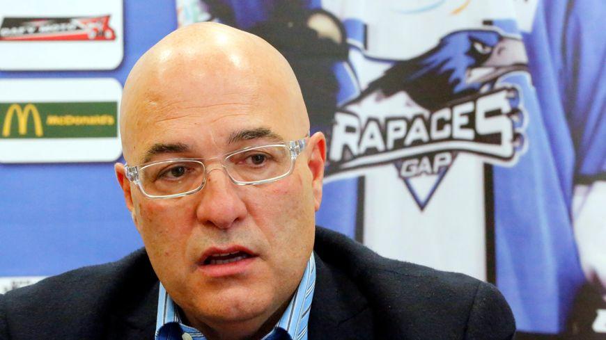 Luciano Basile, l'entraineur de l'équipe de hockey sur glace de Gap