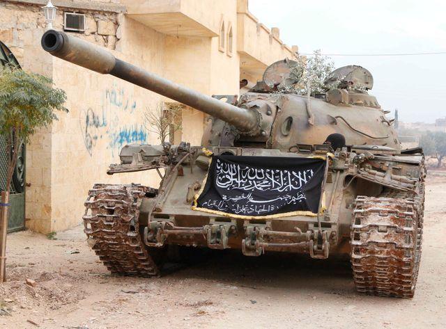 Un tank aux couleurs d'Al-Nosra