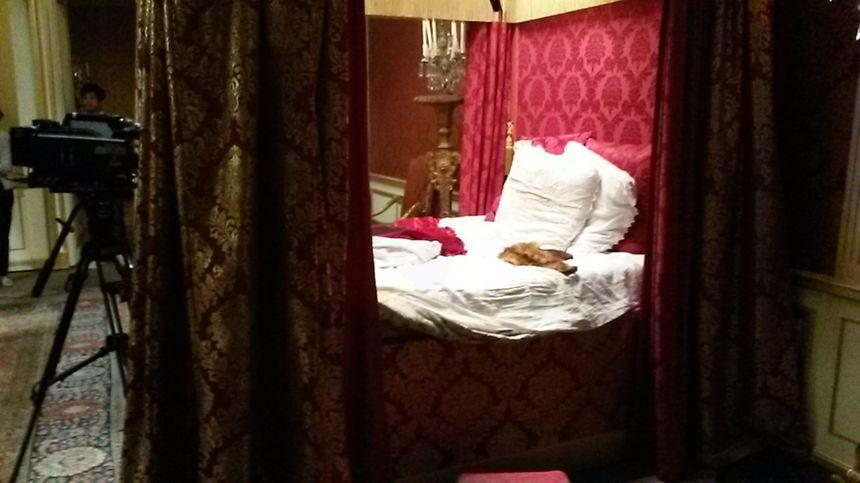 La mort de Louis XIV, film tourné au chateau de Hautefort 860_2015_10_08_tournage_film_hautefort
