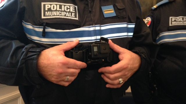Les policiers municipaux de Sens équipés de caméra embarquée