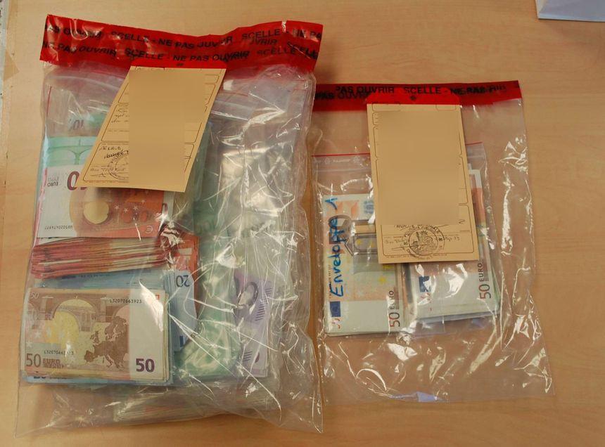 Les policiers ont aussi retrouvé 120 000 euros en liquide - Aucun(e)
