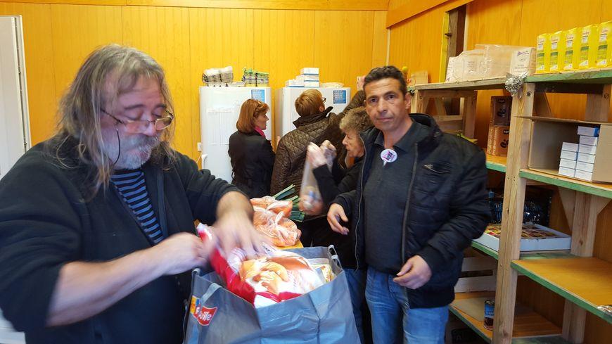 20 bénévoles assurent la distribution au nouveau centre de Pissos