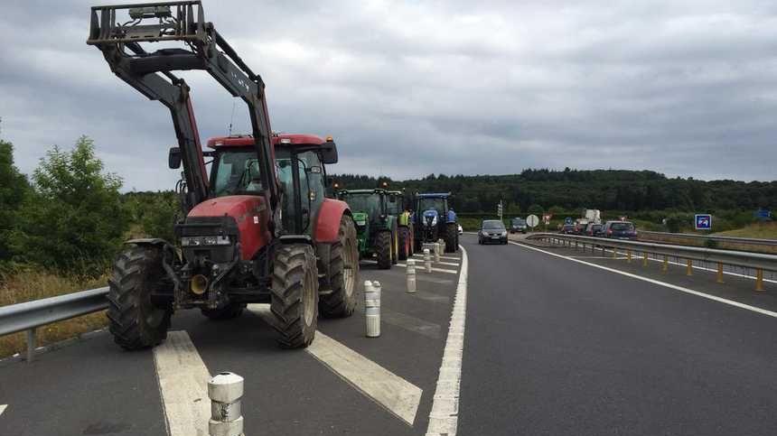 Les agriculteurs vont bloquer l'A84 au niveau de Guilberville
