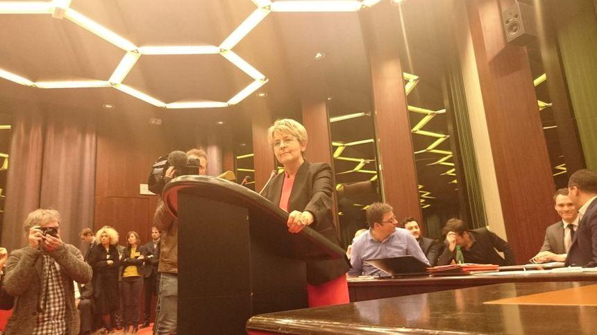Marie-Guite Dufay lors de sonb discours après son élection. - Radio France