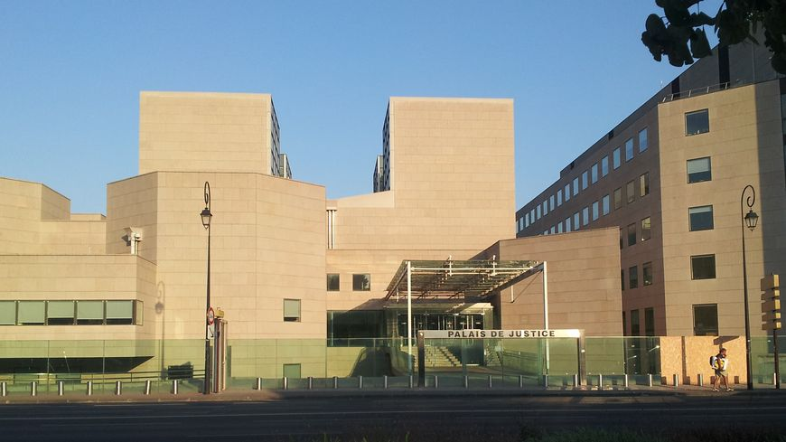 Palais de justice d'Avignon