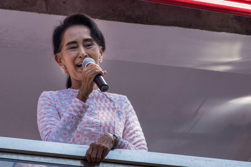 Auung San Suu Kyi - Aucun(e)
