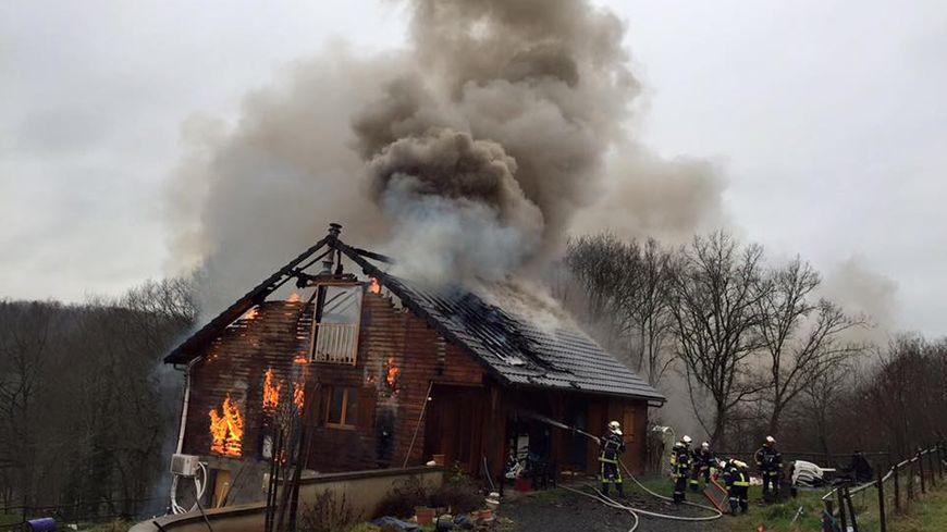 Le feu a pris un peu après 15 heures