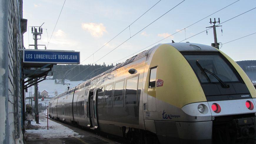 Le matin, il faut 1 heure 24 pour relier Dijon à la gare des Longevilles.