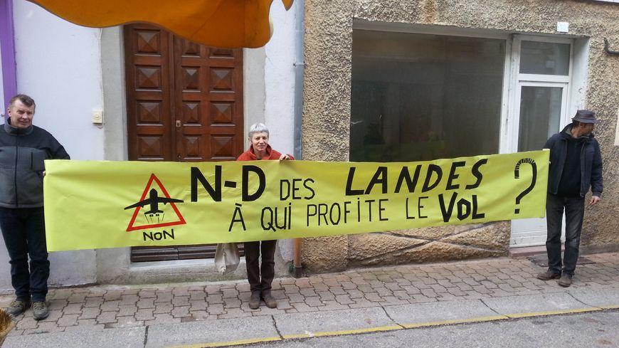Manifestation contre Notre-Dame des Landes à Vernoux-en-Vivarais