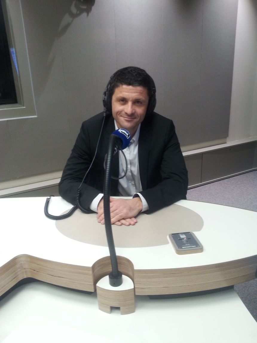 Jean Félix Acquaviva, le président de l'Office des Transports de la Corse - Radio France