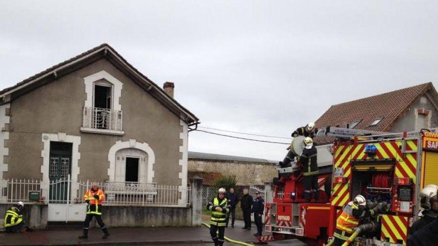 L'incendie s'est déclaré dans cette maison de la rue Pierre Sémard