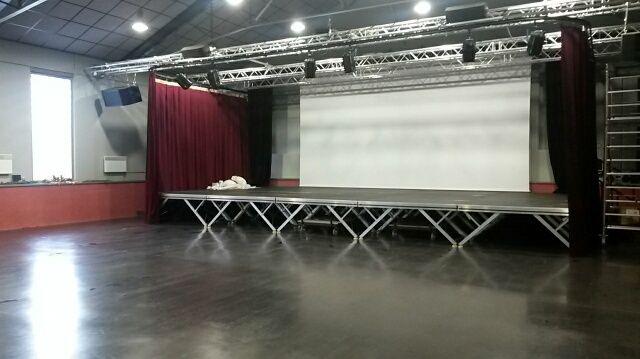 La salle a été aménagée en septembre 2015 pour la projection des films.