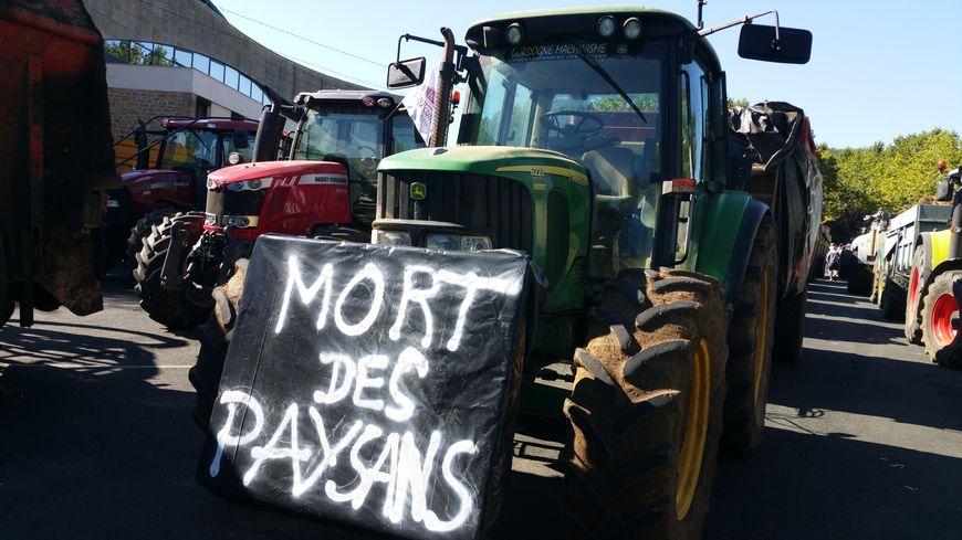Les agriculteurs lors de la manifestation à Sarlat en août 2015.