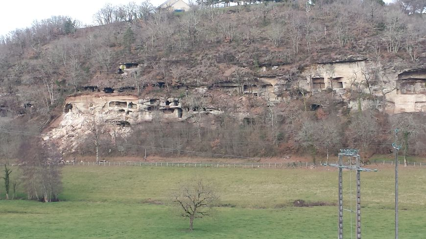 L'effondrement a emporté 1000 mètres cubes de roches.