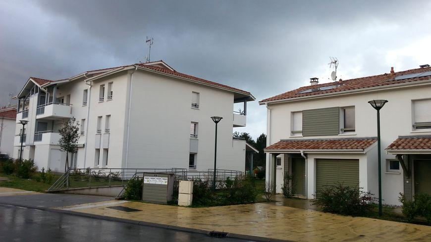 Logements neufs à Labenne. La commune a gagné 886 habitants depuis 2008