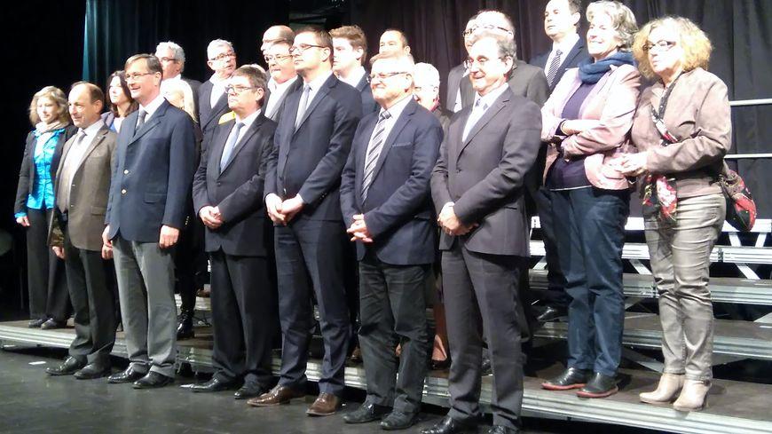 Le maire Benoît Arrivé avec les adjoints et maires délégués