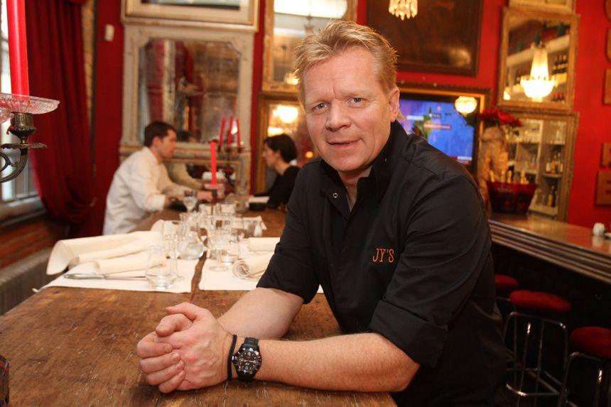 Jean-Yves Schillinger au restaurant du théâtre - Maxppp