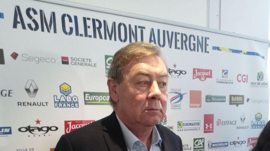 Eric de Cromières face à la presse