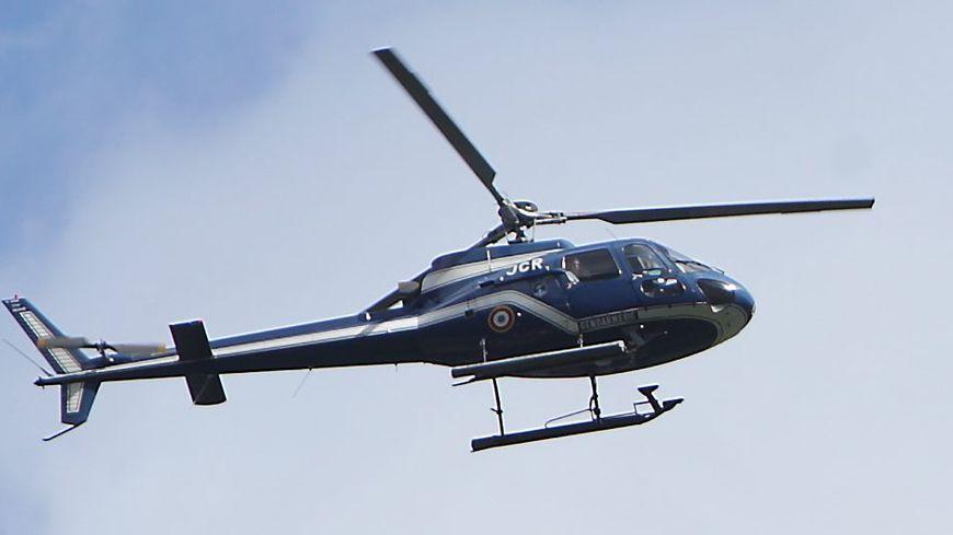 Un hélicoptère de la gendarmerie a survolé la zone, en vain