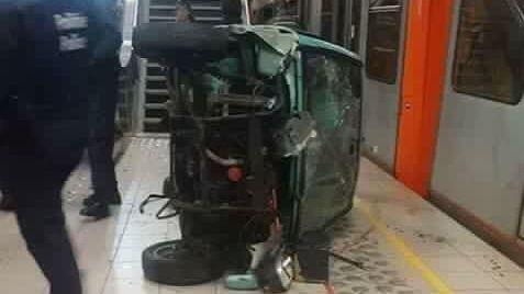 Une voiturette électrique écrasée dans le métro bruxellois