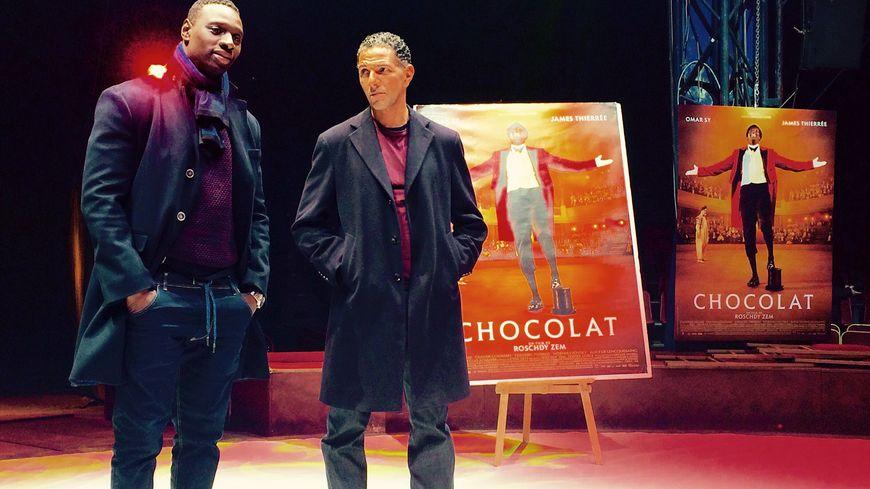 """Omar Sy et Roschdy Zem ont présenté le film """"Chocolat"""" à Bordeaux"""