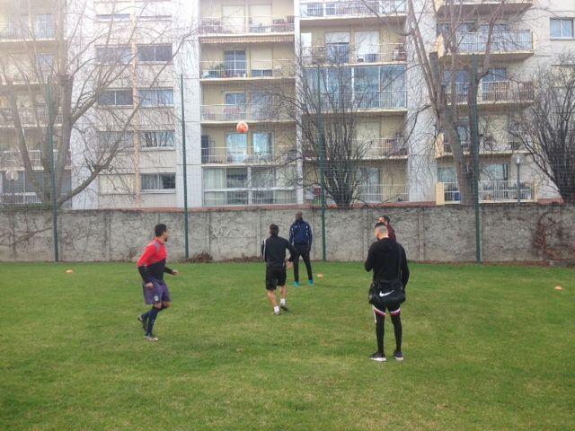 Les footballeurs du Toulouse Rodéo à l'entraînement. - Radio France