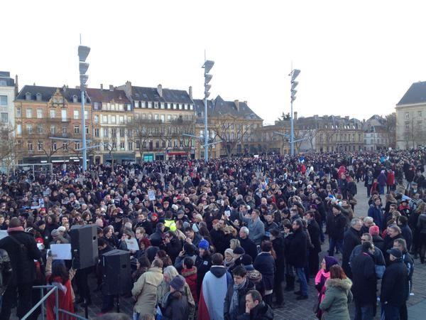 L'arrivée de la manifestation, place de la République à Metz - Radio France