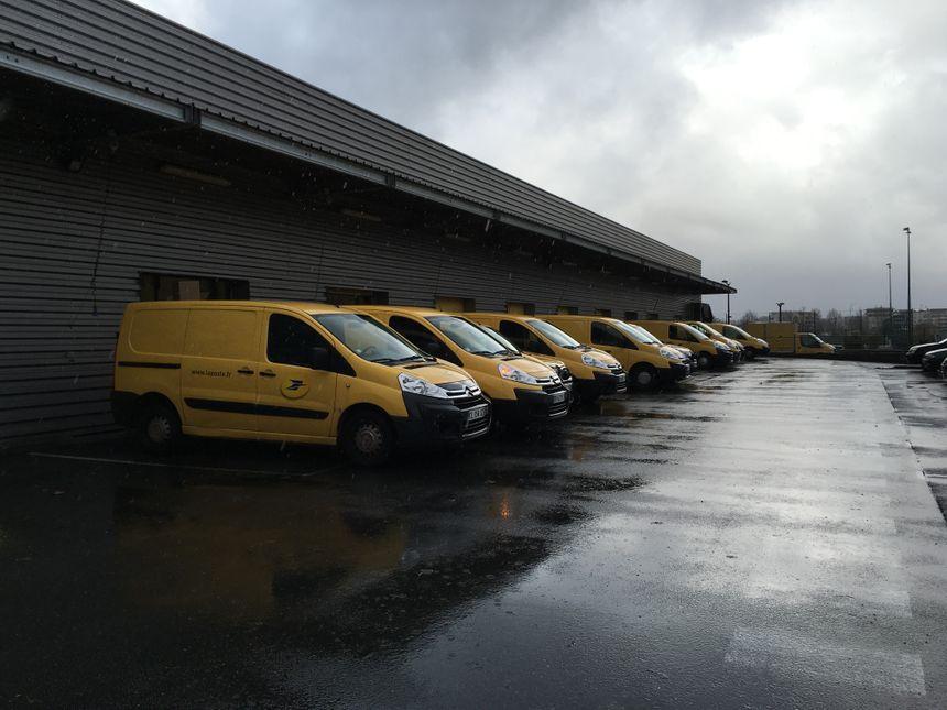 Les camion de La Poste sont rentrés de leurs tournées - Radio France