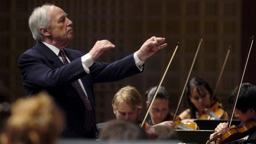 Pierre Boulez à la tête de l'Orchestre du Festival de Lucerne en septembre 2006.