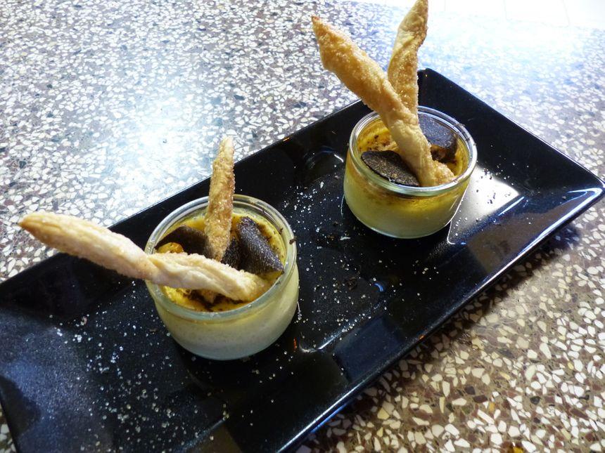 Pot de crème vanille et truffe. - Aucun(e)