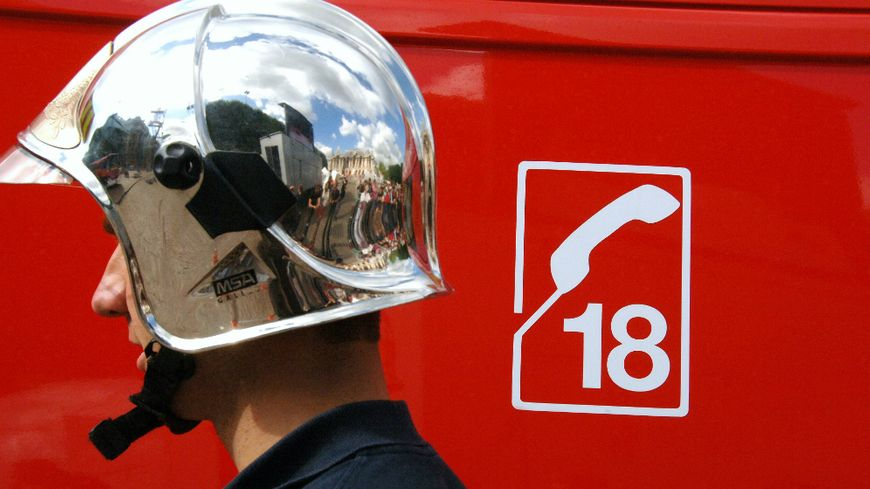 Sapeur-pompier en intervention (illustration)