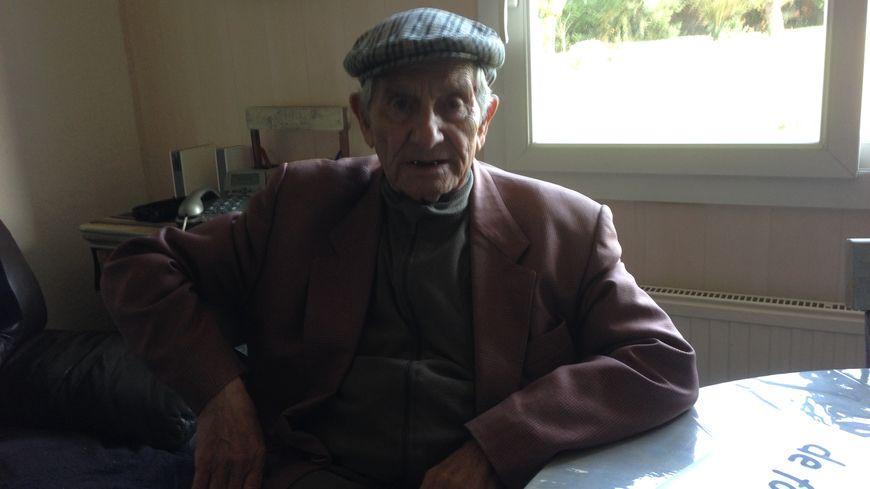 André Fernandez, 87 ans, chez lui à Neuville.