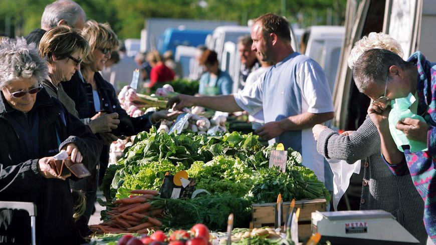 Sur un marché en Vaucluse