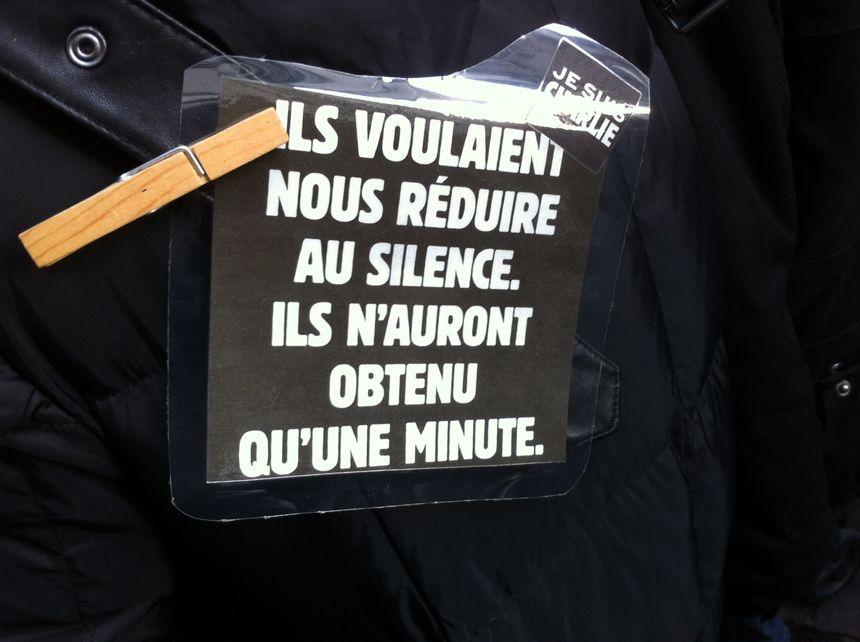 Humour et détermination dans les slogans à Strasbourg - Radio France