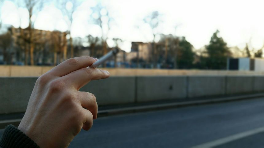 Tabac, cigarette, mégots, drogue, nicotine. - Radio France