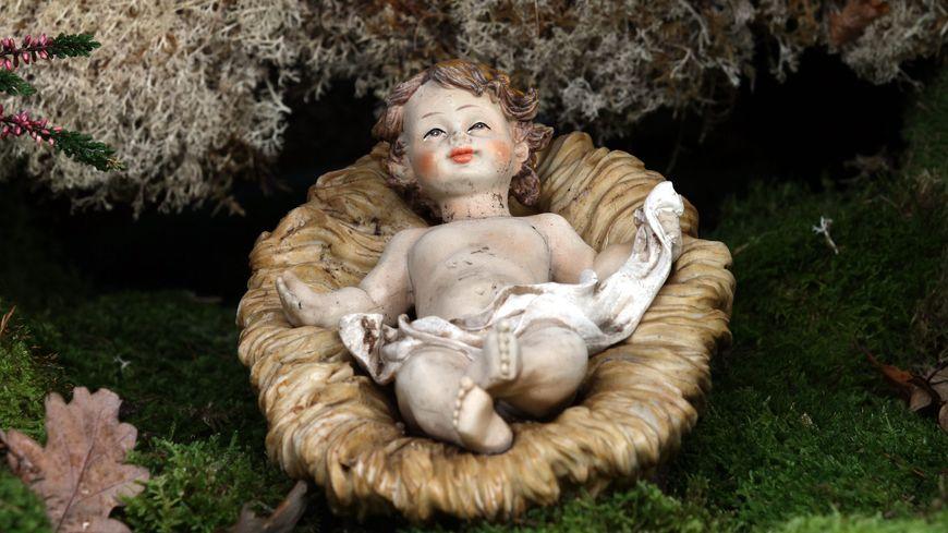 C'est un petit Jésus comme celui-là qui a été dérobé à Saint-Mandrier-sur-Mer