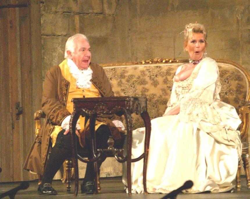 """A 84 ans, Michel Galabru jouait dans la pièce """"Le Turcaret."""" - Maxppp"""